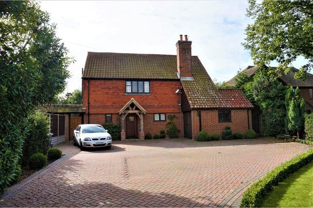 Thumbnail Detached house for sale in Massetts Road, Horley