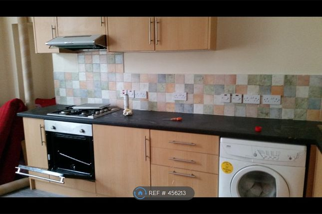 1 bed flat to rent in Oxford Street, Bridgend CF32