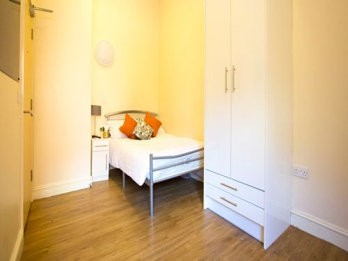 Thumbnail Property to rent in Classic 1 Bed, Daisybank Villas, Manchester