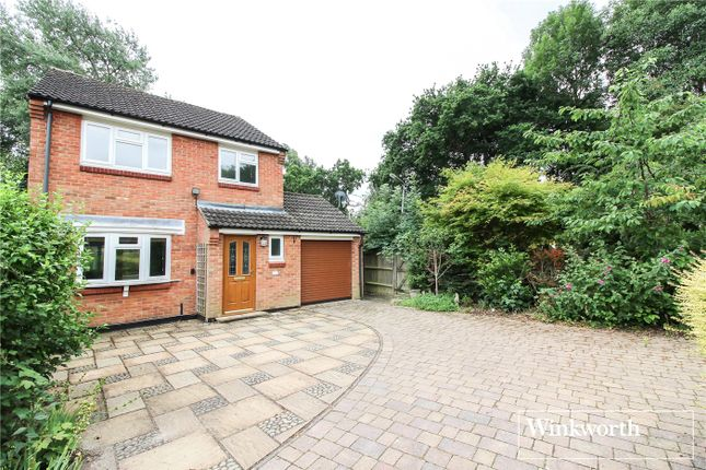 Thumbnail Detached house for sale in Pinewood Close, Borehamwood