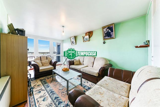 Maisonette for sale in Oversley House, Alfred Road, Brindley Estate, London
