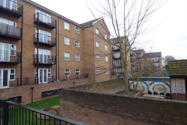 2 bed flat to rent in The Academy, Holly Street, Luton