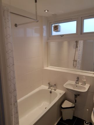 Thumbnail Semi-detached house to rent in Rooke Way, Greenwich London