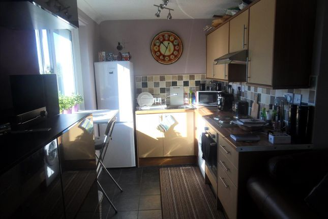 2 bed flat to rent in Wark Court, Gosforth, Newcastle Upon Tyne