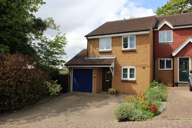 Thumbnail Link-detached house for sale in Windmill Road, Aldershot