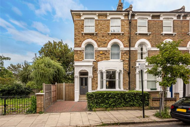 Thumbnail Terraced house for sale in Digby Crescent, Finsbury Park, London