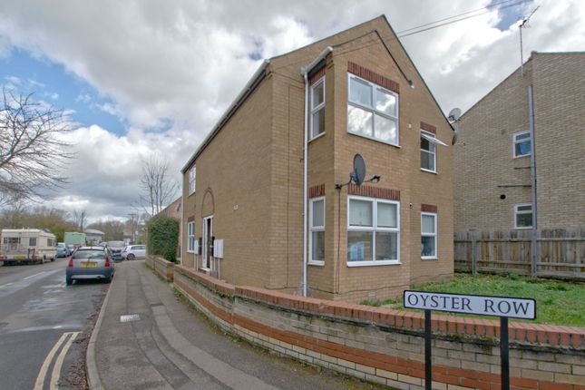 Thumbnail Flat for sale in Oyster Row, Cambridge