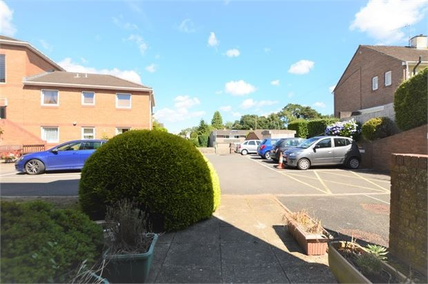Thumbnail Property for sale in Church Road, Newton Abbot, Devon.