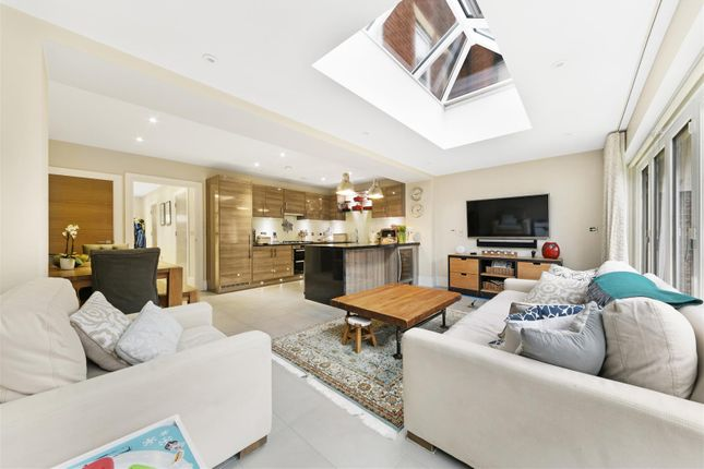6 Kingswood Park, Kennedys ,( 25 From 36 ) (8 Of 3
