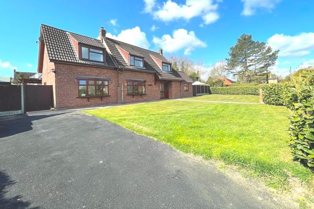 4 bed detached house for sale in Thorpe Road, Haddiscoe, Norwich NR14