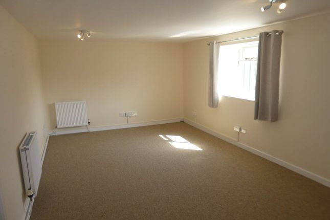 Thumbnail Flat to rent in The Moor, Melbourn, Cambridge