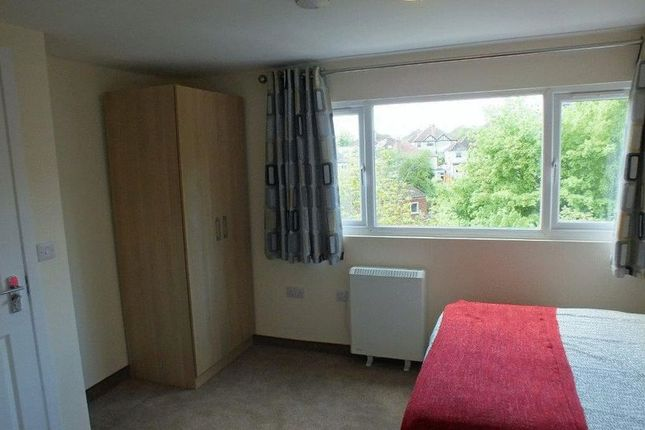 Thumbnail Room to rent in The Lodge, 100 Ferncliffe Road, Harborne, Birmingham