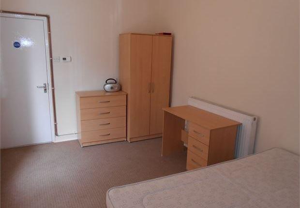 Thumbnail Studio to rent in St. Helens Avenue, Brynmill, Swansea