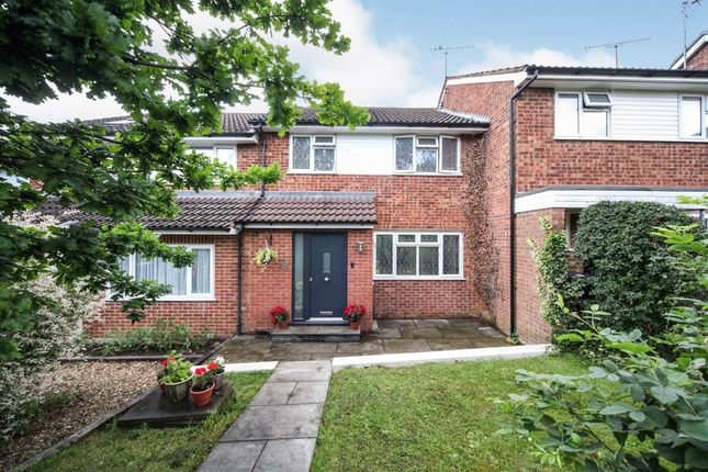 Thumbnail Terraced house for sale in Broadstone Road, Harpenden