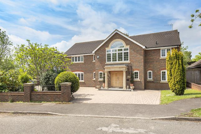 Thumbnail Detached house for sale in The Chowns, Harpenden