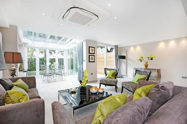 Flat to rent in St. Johns Wood Park, London