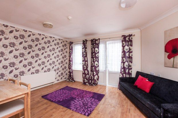 5 bed flat to rent in 4 Alnwick Road, London E16