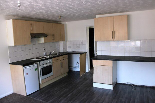 Thumbnail Flat to rent in Oval Road South, Dagenham