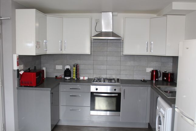 Thumbnail Flat to rent in Marsh Lane, Preston