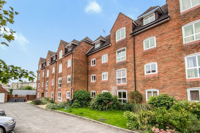 Thumbnail Flat to rent in Warminster