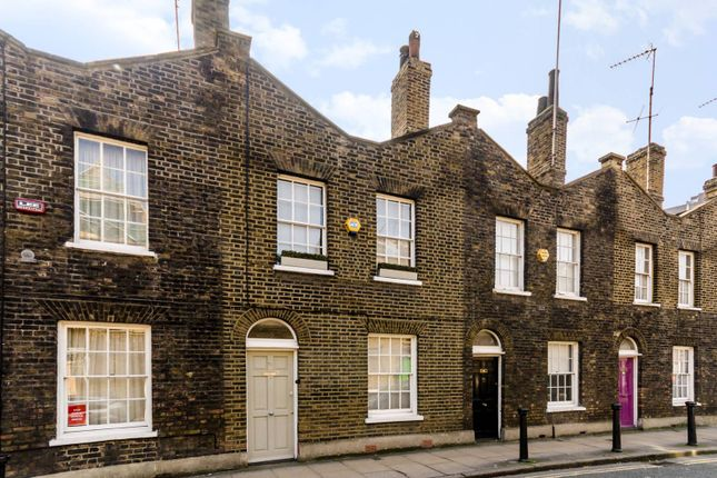 Thumbnail Property to rent in Roupell Street, Waterloo