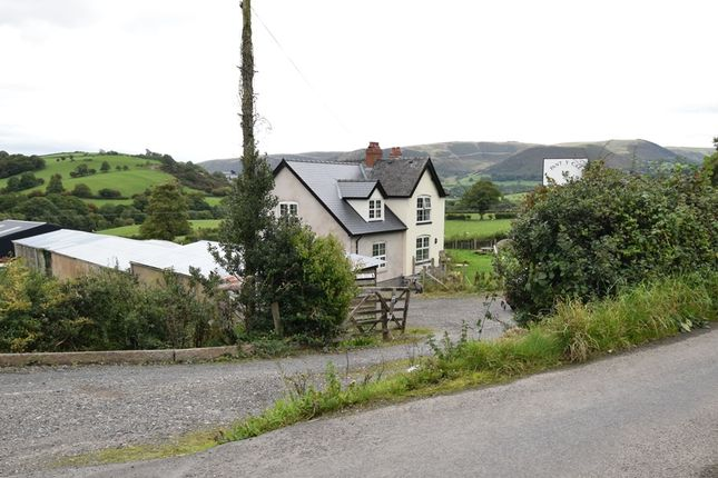 Thumbnail Detached house for sale in Oakley Park, Llanidloes, Powys