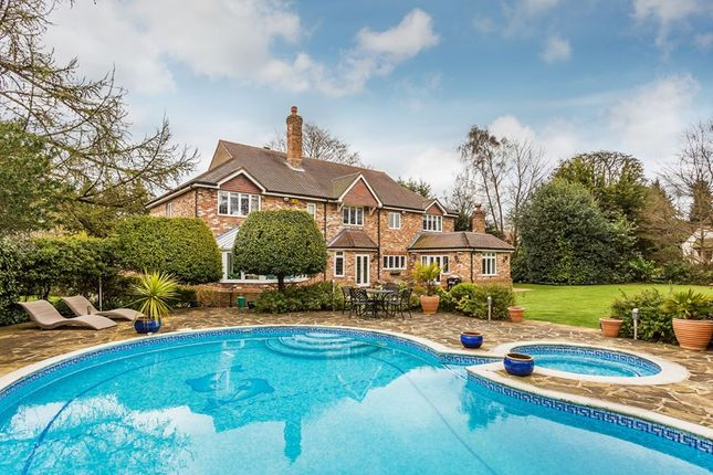 Thumbnail Detached house for sale in Lunghurst Road, Woldingham, Caterham