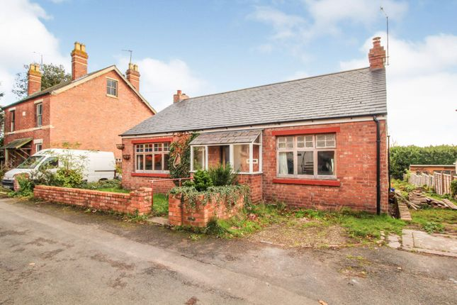 Thumbnail Detached bungalow for sale in Beach Road, Areley Common Stourport-On-Severn