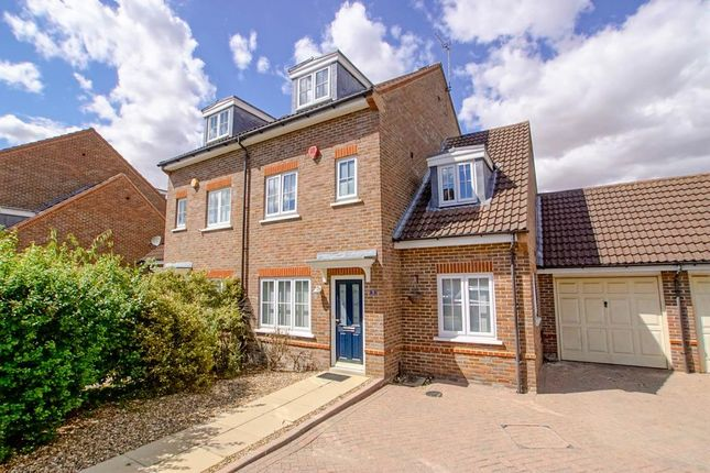 Thumbnail Semi-detached house to rent in Stanborough Mews, Stanborough Road, Welwyn Garden City