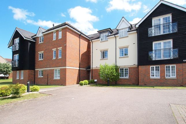 2 bed flat to rent in Ashdown Place Kingston Road, Ewell KT17