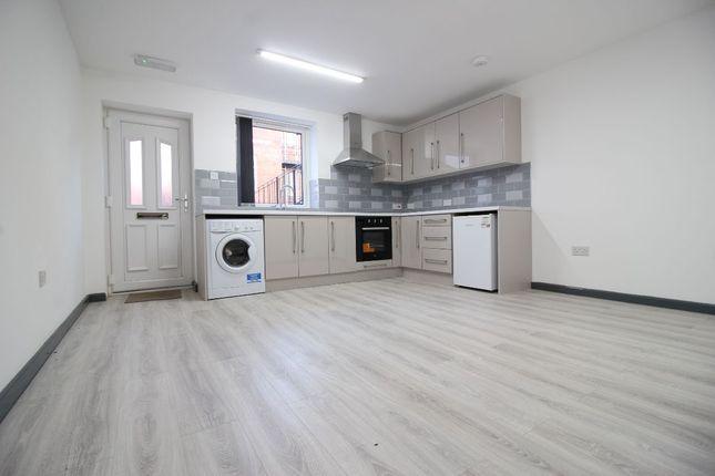 1 bed flat to rent in St. James Street, Blackburn BB1