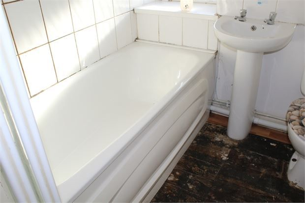 Family Bathroom of Bute Street, Treorchy, Rct. CF42