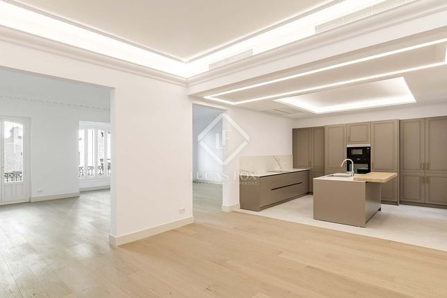 Thumbnail Apartment for sale in Spain, Madrid, Madrid City, Salamanca, Recoletos, Mad21192