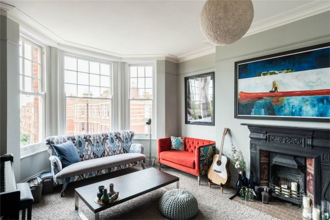 Thumbnail Flat for sale in Sutton Court, London