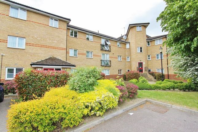 2 bed flat for sale in Burnside Court, South Street RM1