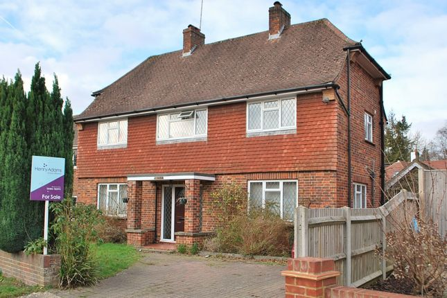Thumbnail Detached house for sale in Chesworth Close, Horsham