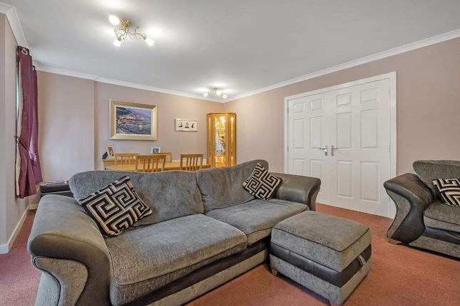 Lounge of Cambuslang Road, Glasgow G72