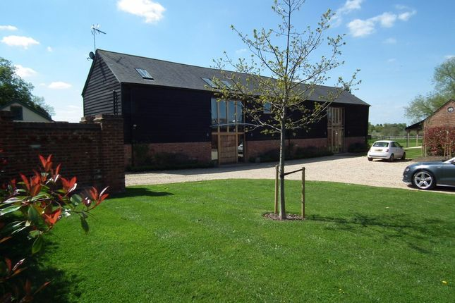 Thumbnail Barn conversion to rent in Brock Hill, Warfield, Bracknell