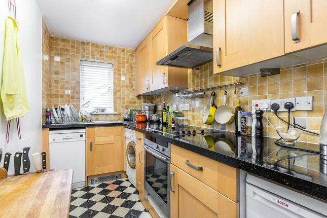Thumbnail Flat to rent in Cranleigh Court, Kew