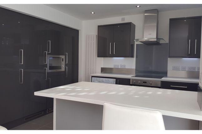 Thumbnail Flat to rent in Willow Tree Road, Hale, Altrincham
