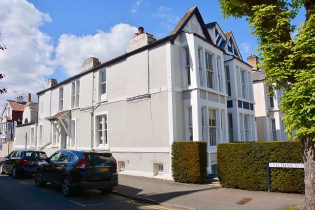 Thumbnail Flat for sale in Feltham Avenue, East Molesey