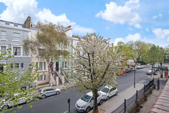 Thumbnail Flat for sale in Nottingwood House, London