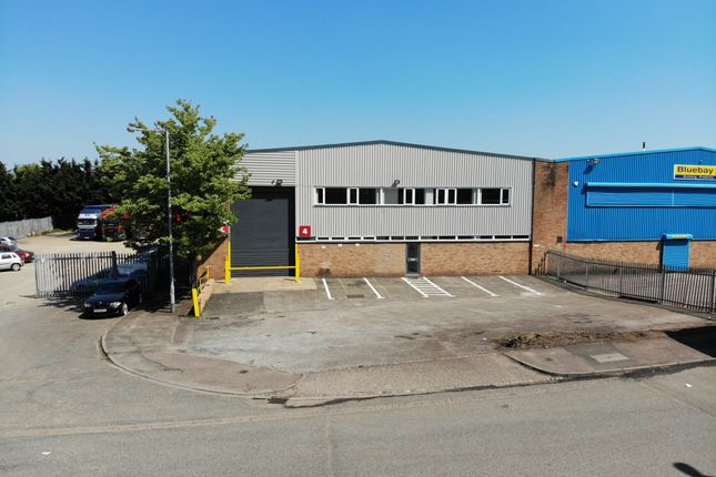 Thumbnail Warehouse to let in Cradock Road, Luton