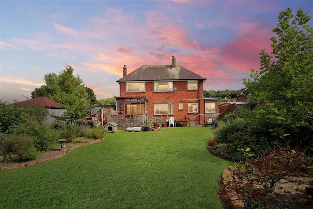 Thumbnail Detached house for sale in The Heights, Findon Valley, Worthing