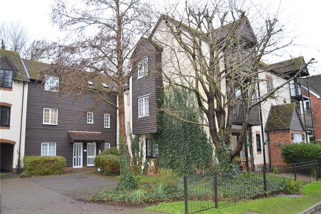 Picture No. 03 of Mill Lane, Newbury, Berkshire RG14