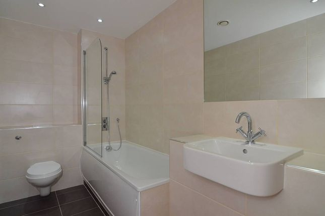 Bathroom of Park Street, Ashford TN24