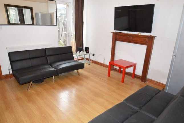 Thumbnail Property to rent in Gristhorpe Road, Birmingham, West Midlands.