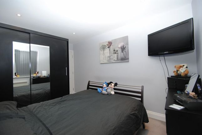 Photo 2 of Cody Court, Shakespeare Drive, Westcliff-On-Sea, Essex SS0