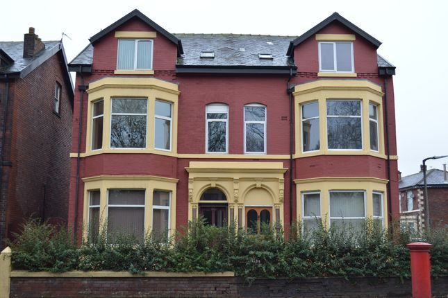 Thumbnail Flat to rent in Walmersley Road, Bury