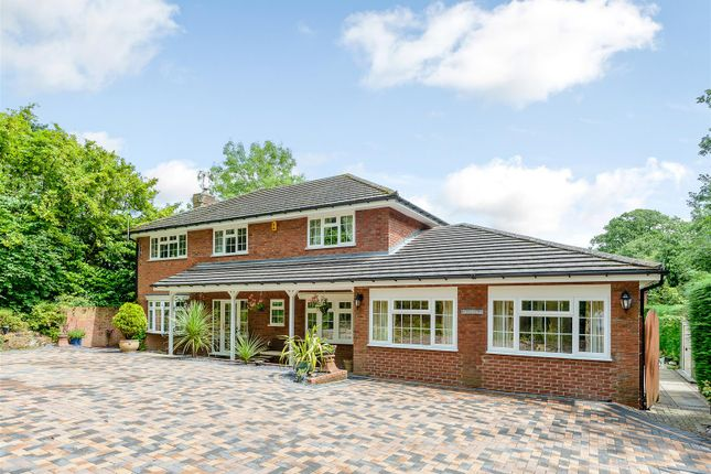 Thumbnail Property for sale in Torrs Close, Redditch